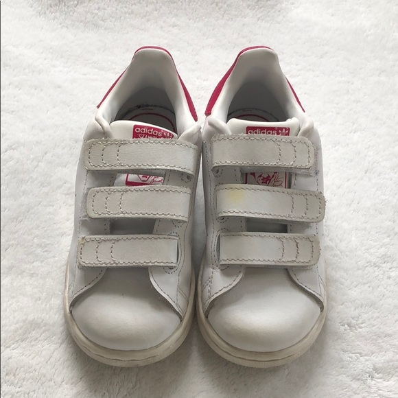 reputable site d8f5c 5bc47 Toddler Adidas Stan Smith's